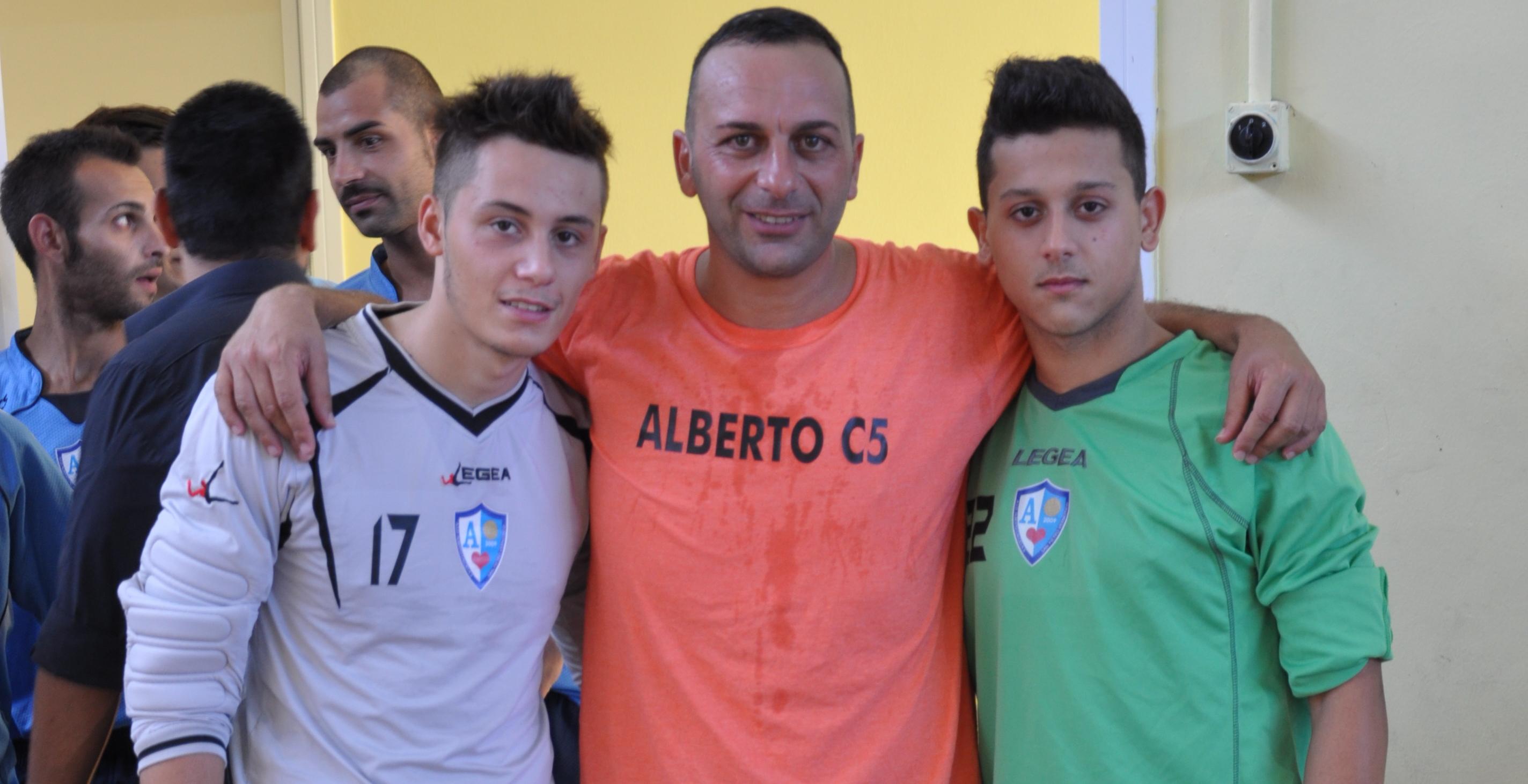 Paolo Maggiore con i due portieri